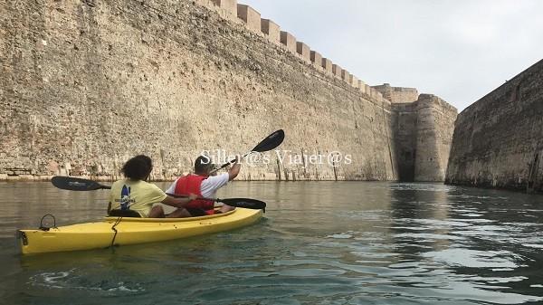 Actividad acuática por las Murallas Reales