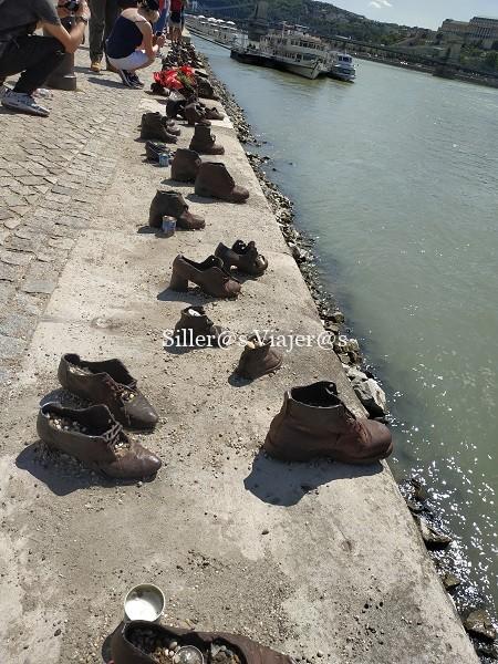 Monumento de los zapatos