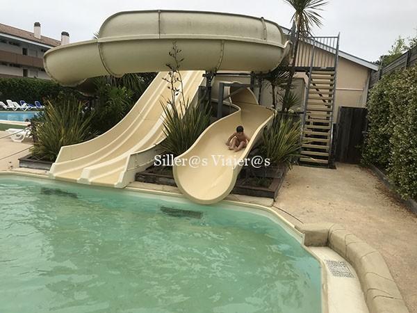 Toboganes piscinas camping accesible Las Landas 2