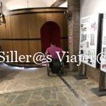 Las sillas de ruedas pueden entrar en el interior de una barrica para sentir la fermentación del vino