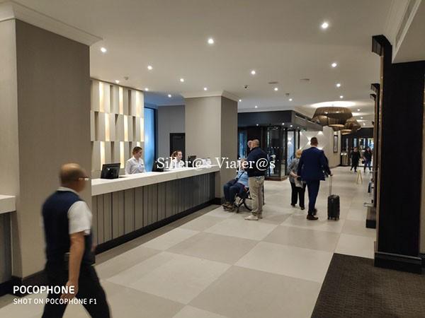 Zona de recepción del hotel