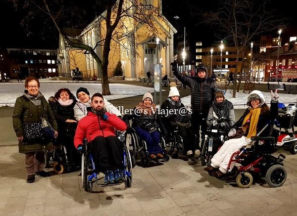 Parte del grupo rodando por Tromso