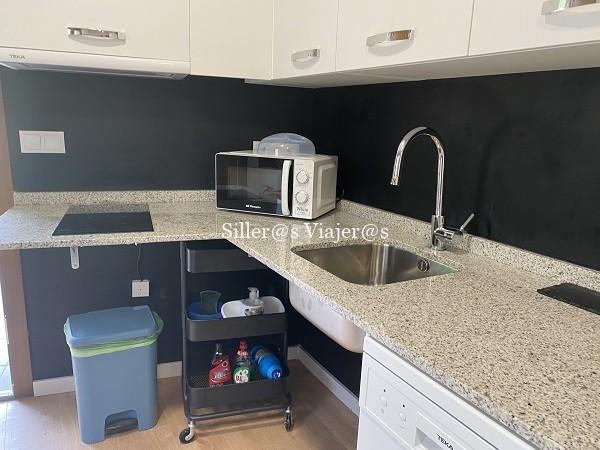 Cocina accesible en apartamento adaptado