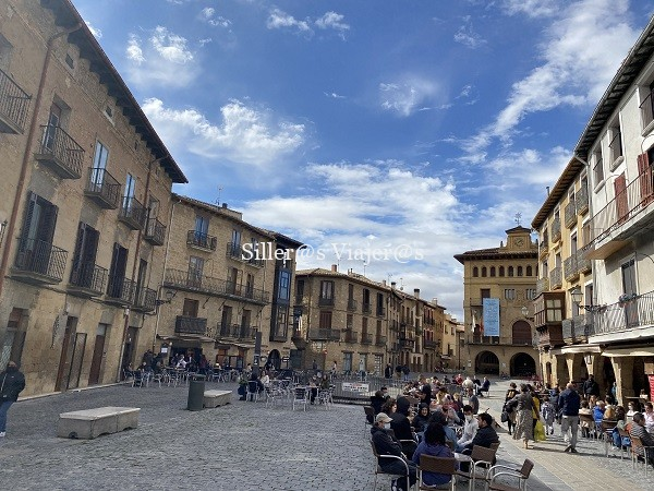 Terrazas y bares en la Plaza del Ayuntamiento