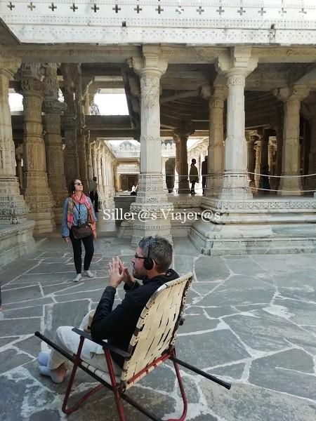 Interior del Templo Ranakpur Jain