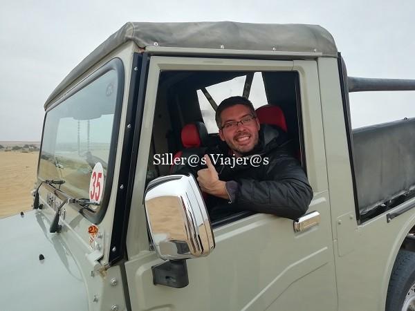 Àlex desde el jeep