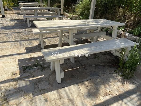 Mesas accesibles en áreas recreativas de Ifach