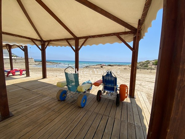 Punto de playa accesible en Arenal Bol