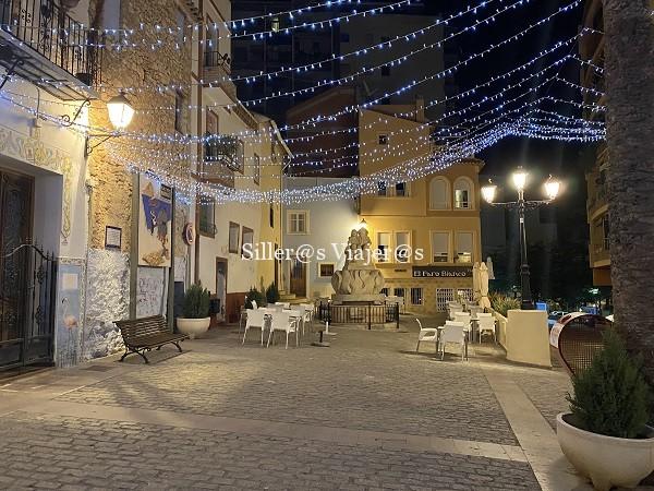 Plaza de los marineros de noche