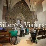 Grupo de silleros en el Pórtico de Santa María